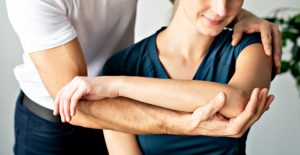 difference between physiotherapy and chiropractor